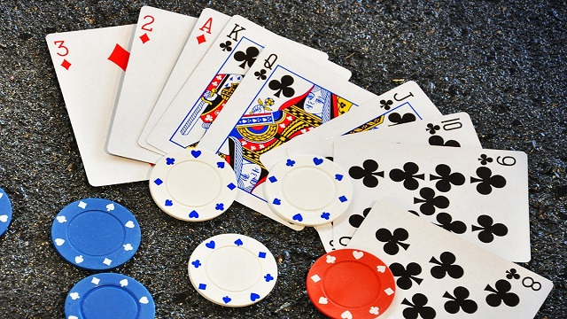 betting poker online